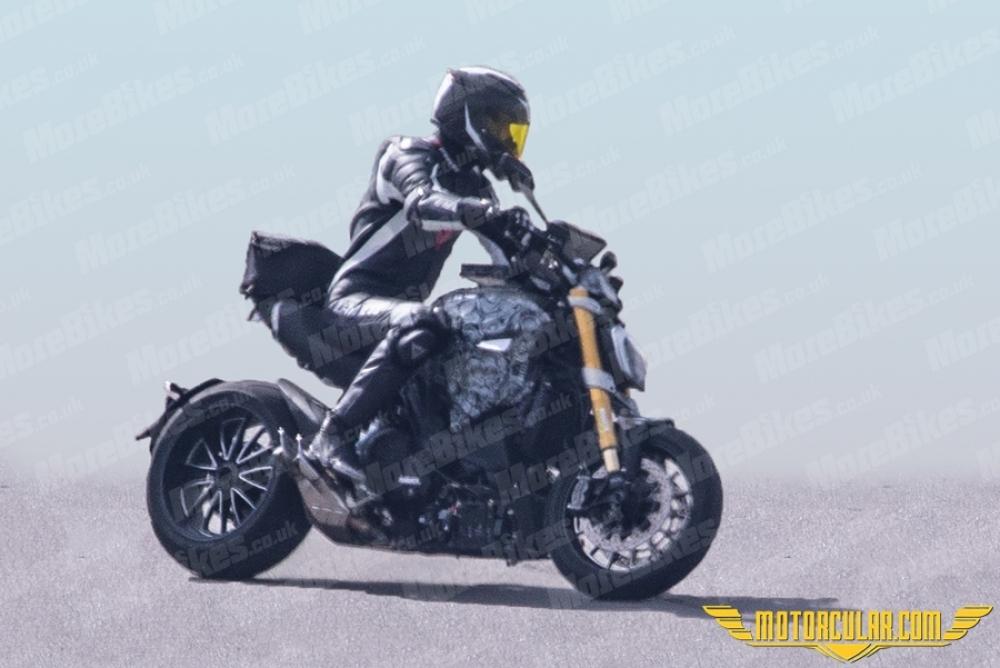 Yeni Ducati Diavel Görüntülendi