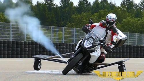 Bosch'tan Motosiklet İçin Yeni Güvenlik Teknolojisi
