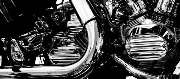 Motosiklette Kam Mili