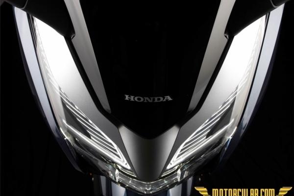 Honda Forza 300 2018 www.motorcular.com