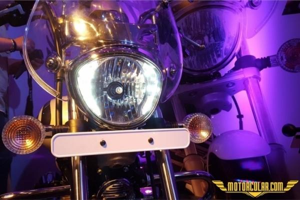 Bajaj Avenger Cruise 220 www.motorcular.com