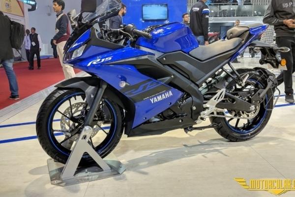 Yamaha R15 www.motorcular.com