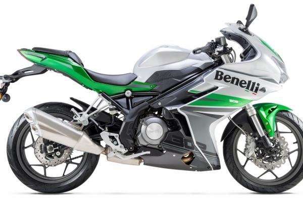 2017 Benelli 302 R
