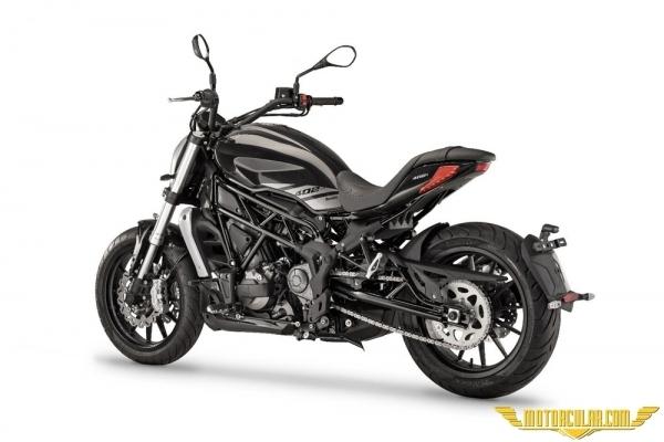 Benelli 402S www.motorcular.com