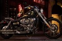 Harley-Davidson - Dyna Wide Glide