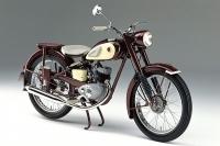 İlk motosiklet YA-1