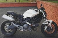 Ducati - Monster 696